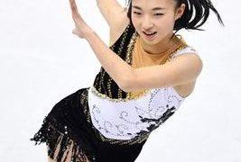 フィギュアスケートの坂本花織、オリンピックに向けて大量のお守り、照射器導入で挑む!!