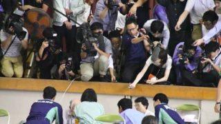 【炎上】安倍首相の西日本豪雨の被災地視察、繰り返されるマスコミの被害者たかり